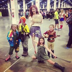 Jewel Staite and her crew of mini Browncoats