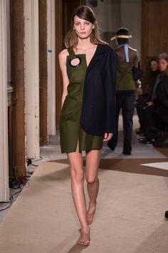 Jacquemus : Runway - Paris Fashion Week Womenswear Fall/Winter 2015/2016