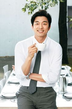 Gong Yoo Smile, Yoo Gong, Korean Celebrities, Korean Actors, Gong Yoo Coffee Prince, Train To Busan, South Corea, Dramas, Goong Yoo