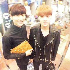 EXO Chanyeol and Sehun on SMTOWN's Vine #chanyeol #sehun #exo