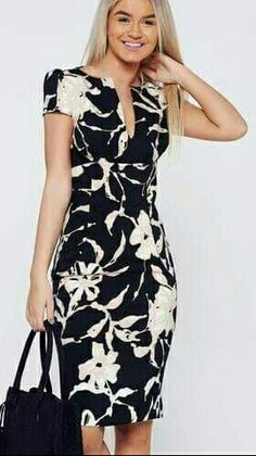 Comanda online, Rochie PrettyGirl neagra eleganta tip creion cu buzunare. Flowery Dresses, Cute Dresses, Beautiful Dresses, Casual Dresses, Short Dresses, Girls Dresses, Chic Outfits, Dress Outfits, Karen