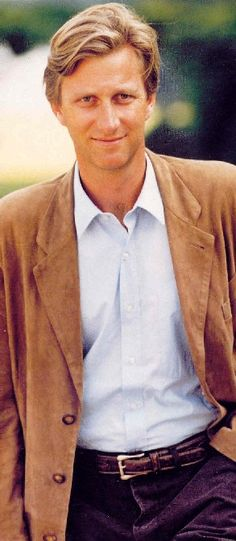 Welcome to King Philippe Pictures. Sharing pictures of my favourite royal, Philippe, King of the Belgians. Cousins, Prince William And Harry, Royal Prince, Crowns, Organize, The Past, Romance, Models, Adorable Animals