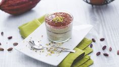 Tiramisù al pistacchio Ricotta, Just Desserts, Dessert Recipes, International Recipes, Finger Food, Bread Recipes, Mousse, Food To Make, Panna Cotta