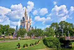 Disney ♥ one of my favorite places and can't wait to take my daughter there some day!