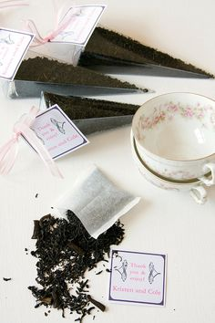 Tea party favors by Dell Cove Spice Co. - These are our Vanilla blend, with Hawaiian and Madagascar vanilla beans blended with lovely Chinese black tea. (Photo by Selena Vallejo Photography.)