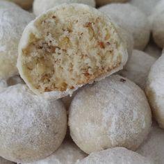 """157 Beğenme, 12 Yorum - Instagram'da @turkse_eten: """"Kartopu kurabiyesi #snowballcookies #snowballcookie 113 gr tereyagi oda sicakliginda 1 su bardagi…"""""""