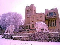 Russia, Samara, House with elephants Самара, Дача со слонами