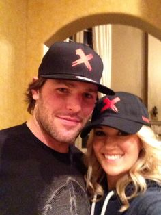 Mike Fisher and Carrie Underwood are In It to END IT! #enditmovement
