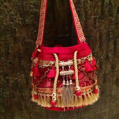 Marvelous Crochet A Shell Stitch Purse Bag Ideas. Wonderful Crochet A Shell Stitch Purse Bag Ideas. Crochet Gifts, Cute Crochet, Crochet For Kids, Crochet Ideas, Crochet Handbags, Crochet Purses, Crochet Bags, Crochet Purse Patterns, Potli Bags