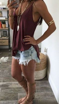 Breathtaking 62 Inspiring Cute Outfit Ideas for Vacation from https://www.fashionetter.com/2017/05/16/inspiring-cute-outfit-ideas-vacation/