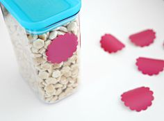 Vinyl Storage container labels w/ chalk pens; IHeart Organizing: Kitchen Pantry Update: Part 2