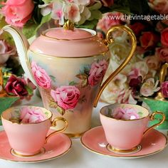 vintage pink and shabby hand painted roses coffee set. Shabby Vintage, Vintage Tea, Shabby Chic, Vintage Table, Vintage Dishes, Vintage China, Vintage Dishware, Antique China, Teapots And Cups