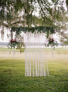 ceremony backdrop - photo by Emily Katharine Photography http://ruffledblog.com/relaxed-brunch-wedding-in-florida