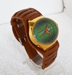 Men's Vintage Aotomatic Watch  Collectibles 1970s USSR  #CHAIKA #Giftsforhim #Luxury #Gold #Wristwatch #Green #vintage #fathersday