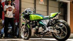 Kawasaki Zephyr 550 Cafe Racer by Dino Maltoni - Photos by Franco Martinez #motorcycles #caferacer #motos | caferacerpasion.com
