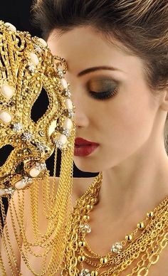 masque, mask , or, gold Gold Fashion, Fashion Beauty, Carnival Masks, Venetian Masks, Masquerade Party, Masquerade Masks, Beautiful Mask, Halloween Disfraces, Jewelry
