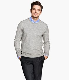Layer on a gray fine-knit sweater in premium-quality merino wool. | H&M Men's Classics