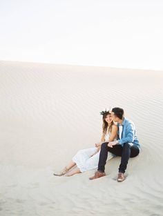 Stunning anniversary photos in the California desert via Magnolia Rouge