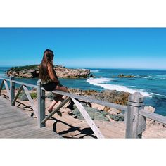 she fell in love with the seaside  #warrnambool #greatoceanroad #yesterday #sunnyday #torquay by janavy