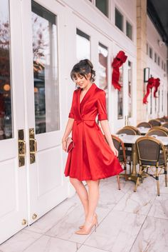 color to the fit and the satin material it just screams Christmas. It is beyond classic and would make the most stunning Christmas Eve red dress. Red Dress Outfit, Boho Dress, Office Wear Dresses, Formal Outfits, Dress Formal, Dress Long, Red Christmas Dress, Christmas Eve, Wine Red Dress