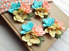 Flores de tela de fieltro de lana  tríos mamá por AMarketCollection