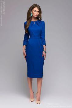 Купить синее платье-футляр длины миди со складками на горловине и рукавами 3/4 в интернет-магазине 1001DRESS