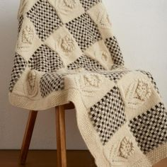 Free Flower and Check design throw knitting pattern