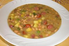 Weiße Bohnen-Suppe White bean soup, a very nice recipe from the stew category. White Bean Soup, White Beans, Easy Vegetable Soup, Healthy Soup Recipes, Chef Recipes, Soups And Stews, Beef Stews, Soup With Ground Beef, Cooking