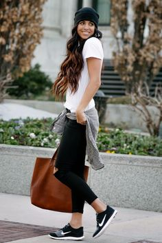 Black, white, & Plaid - She is a terrific example of casual mom friendly style.