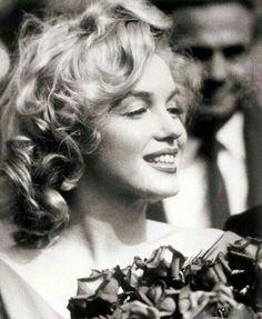 La beauté et les secrets de Norma Jeane allias Marilyn Monroe … Divas, Timeless Beauty, Classic Beauty, Arte Marilyn Monroe, Most Beautiful Women, Beautiful People, Beautiful Smile, Norma Jeane, Up Girl