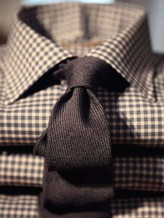 The Dapper Gentleman Wool tie and checked shirt Dapper Gentleman, Gentleman Style, Sharp Dressed Man, Well Dressed Men, Suit And Tie, Swagg, Men Dress, Men Casual, Casual Tie