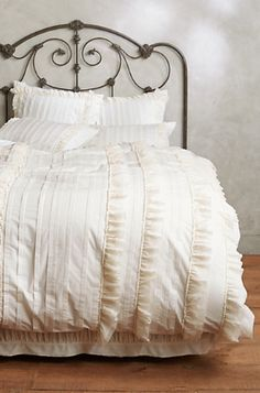 tiered ruffle duvet #anthroregistry  http://rstyle.me/n/rymvwpdpe