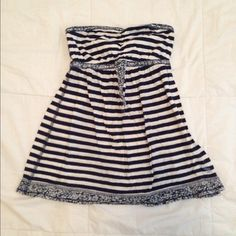 Tube top Striped tube top. So cute! Abercrombie & Fitch Tops