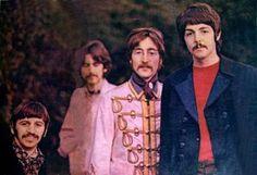 The Beatles taking photographs at Ringo's house in Weybridge, February The Beatles 1, Beatles Guitar, Beatles Photos, John Lennon Beatles, Paul Mccartney, Polythene Pam, Liverpool, Music Genius, The Fab Four
