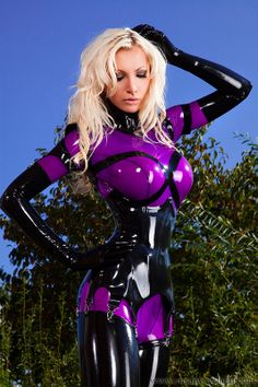 Susan Wayland Latex model from Germany