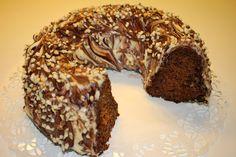 Nämän ylläolevat kakut kuorrutin valkosuklaakreemillä.                  Tällä mummoni vanhalla reseptillä olen tehnyt tätä jo...