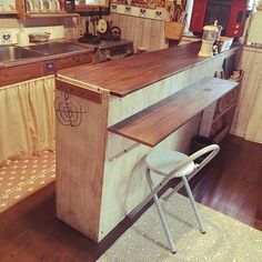 カラーボックスでキッチンカウンターをDIY Kitchen Living, Diy Kitchen, Kitchen Storage, Coffee Shop Design, Cafe Design, Dyi, Steel Kitchen Cabinets, Flat Ideas, Home Desk