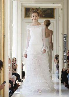 shabby chic wedding dress / French Wedding Style Blog / | VIA #WEDDINGPINS.NET