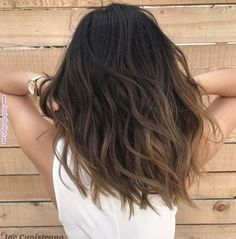 Coiffure balayage cheveux long, mi long et court - explorez les dernières tendances ! Medium Hairstyles, Cool Hairstyles, Short Haircuts, Hairstyles Black Hair, Haircut Short, Trending Hairstyles, Everyday Hairstyles, Brown Hair Balayage, Balayage Highlights