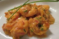 Dit recept voor Scampi Diabolique is hypersnel klaar en kan zowel tot voor- als hoofdgerecht dienen. Serveren met knapperig stokbrood, rijst of frietjes !
