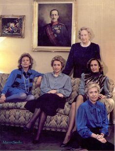 Infanta Maria Cristina of Spain with her 4 daughters.  I'm not quite sure but I believe those on the couch are, L-R, Vittoria Eugenia, Maria Teresa, Giovanna and, seated on the floor, Anna Alessandra.  All the girls wed and had children but it's proving quite hard to find pics of their kids and grandchildren so I won't spend too much time on them.