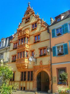 La maison des têtes à Colmar en Alsace. Colmar France, Jolie Photo, Tour Eiffel, Montenegro, Nice View, Beautiful Places, Around The Worlds, Architecture, City
