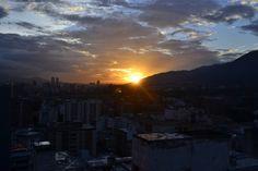 Así fue el bello atardecer que nos regaló hoy la ciudad de Caracas