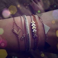 American Eagle Outfitters Jewelry - New chevron delicate bracelet set zig zag arrow