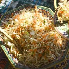 Mexican Coleslaw Recipe: Made this to go on/with pulled pork tacos. Mexican Dishes, Mexican Food Recipes, Ethnic Recipes, Mexican Slaw, Quesadillas, Atkins, Easy Cabbage Recipes, Healthy Coleslaw, Asian Coleslaw