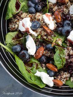 Kochfrosch: Quinoa-Salat mit Heidelbeeren, Ziegenkäse, Babyspinat und ...