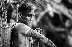 Tribal Male Beauty: Photo