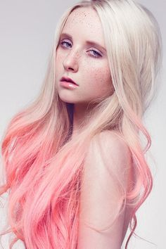 LIGHT SALMON Champagne Pink Hair Chalk Set of 6 Platinum blonde hair with light salmon champagne pin Pink Hair Dye, Dyed Hair Pastel, Hair Color Pink, Hair Dye Colors, Freckles Girl, Ombré Hair, Hair Chalk, Platinum Blonde Hair, Blonde Ombre