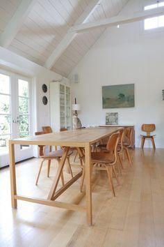Open, Scandinavian style dining room