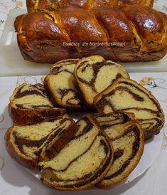 Cozonac pufos cu smantana - Bunătăți din bucătăria Gicuței Baking Recipes, Dessert Recipes, Desserts, Home Food, Easter Recipes, Bread, Cooking, Sweet Treats, Baking